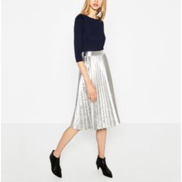 37af134a84 Zara Pleated Metallic Midi skirt. M_5b9a5888de6f62dbfb261cbf